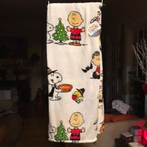 Peanuts all Seasons Blanket NWT 55X70 Velvet Soft